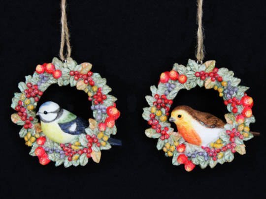 Hanging Resin Robin/BlueTit in Fruit Wreath
