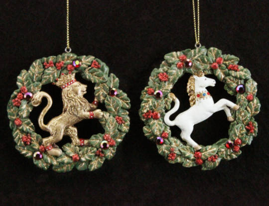 Hanging Resin Jewelled Wreath with Lion/Unicorn