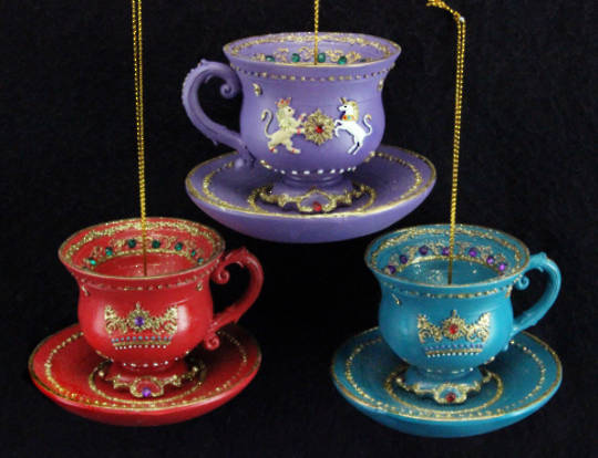 Hanging Resin 3D Regal TeaCup & Saucer