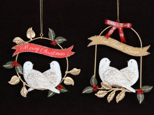 Hanging Turtle Doves in Wire Wreath / Swing