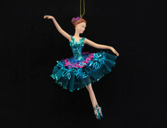 Resin Peacock Coloured Ballerina HO 17cm