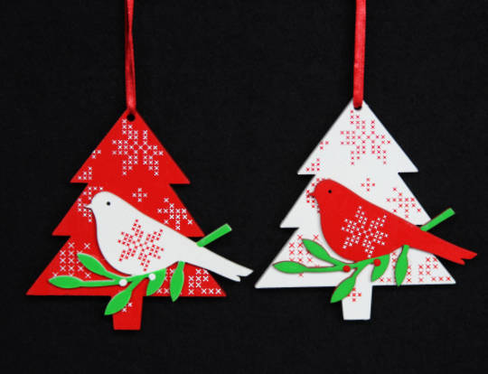 Hanging Wooden Scandi Snowflake tree w/ Bird