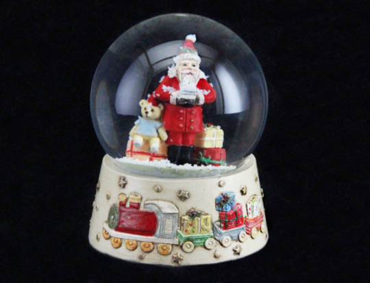 Snowglobe Old Time Santa Med