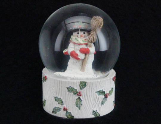 SnowGlobe Old Time Snowman Med