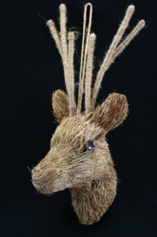 Bristle Straw Deer Trophy Head 24cm