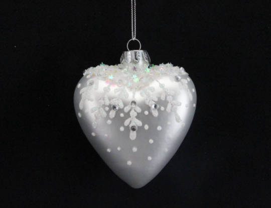 Glass Heart Matt Pearly White w/White Glitter Leaves & Dots