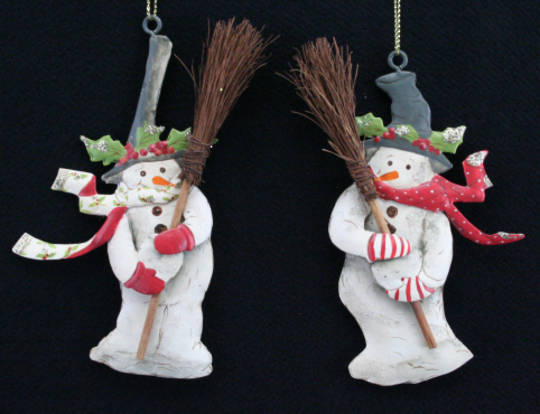 Metal Hanging Snowman w/Broom 12cm