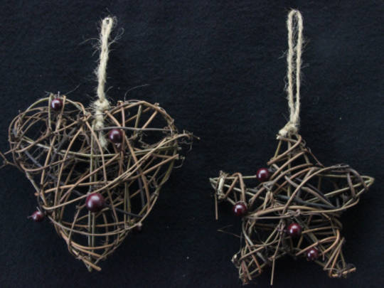 Twig & Berry Hanging Shape 8cm