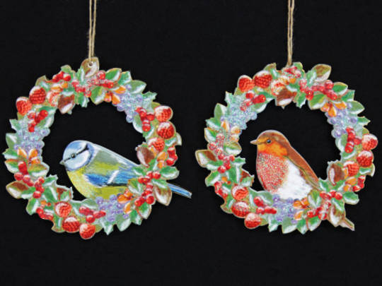Hanging Wooden Robin/BlueTit in Fruit Wreath