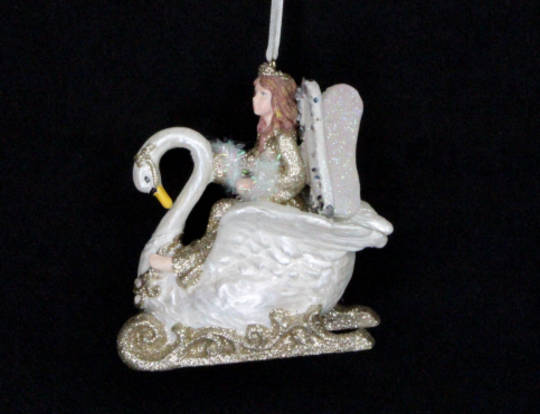 Hanging Resin Fairy in Swan Sleigh Cream/Gold