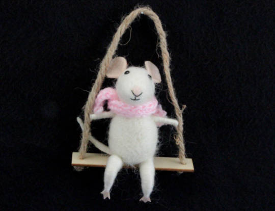 Hanging Eco Wool Mouse on Swing