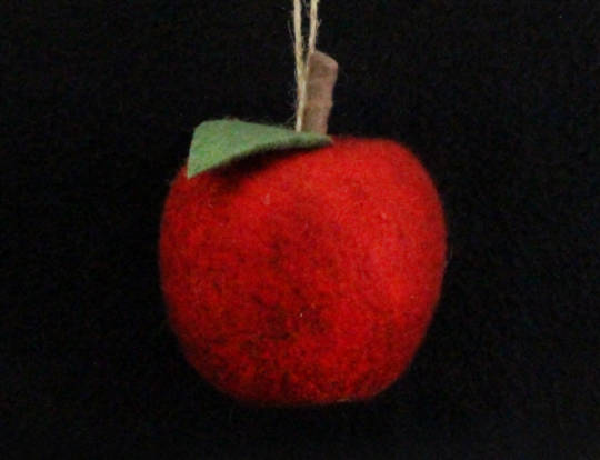 Hanging Eco Wool Red  Apple