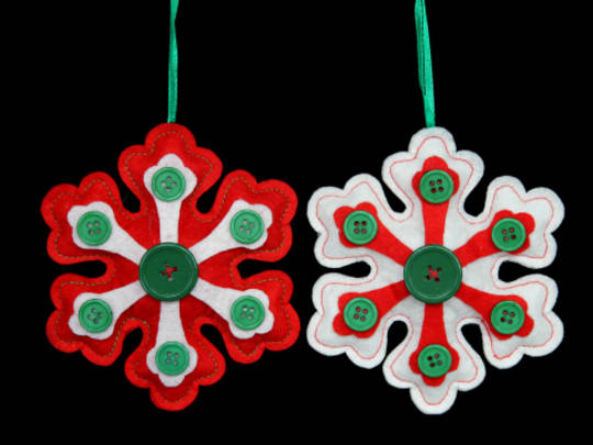 Hanging Felt Snowflake with Buttons