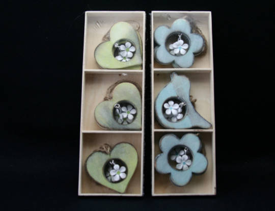 Wood Cutout with Tin Flower Decoration, 8cm